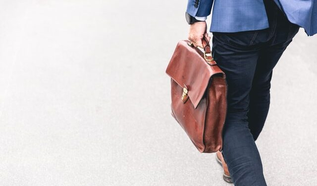 How to Be an Entrepreneur With a Full Time Job